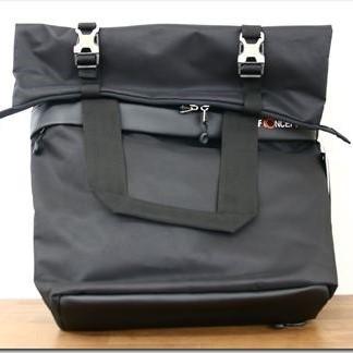 パソコンも入るK&Fコンセプトのメッセンジャーバッグのレビュー!カメラバックにもなって1つ3役